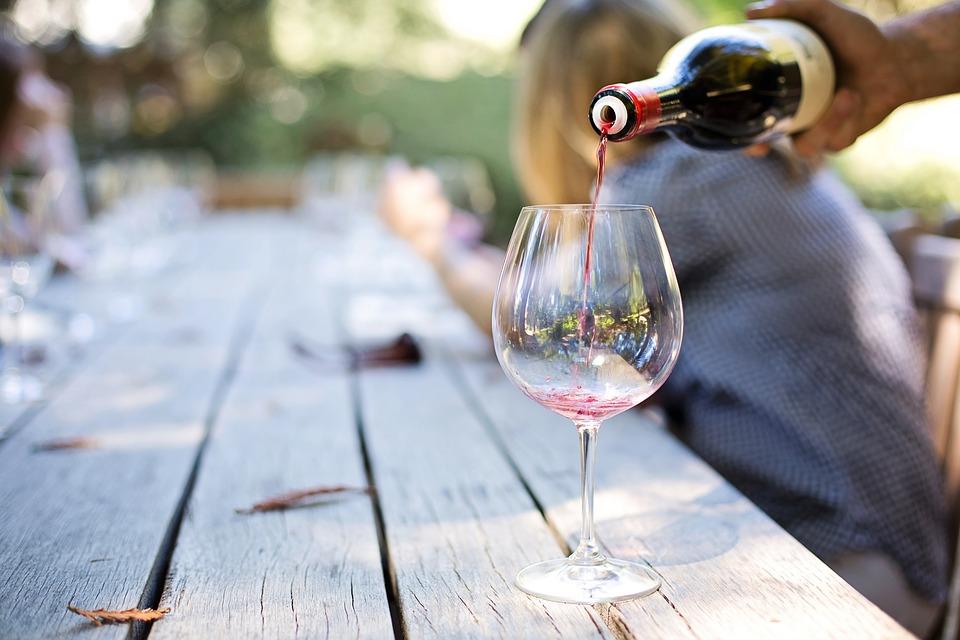 servir du vin avec un bon brochet